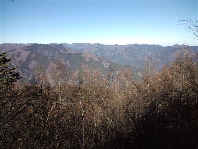 御前山 冬晴れの奥多摩で急登にへばった 日帰り登山(2014.12.23)