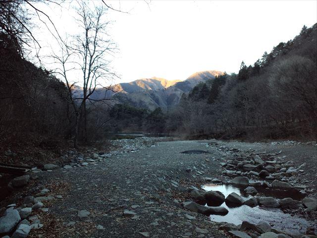 奥多摩トライアングル三頭山へ(ヌカザス尾根) 日帰り登山(2015.1.10)