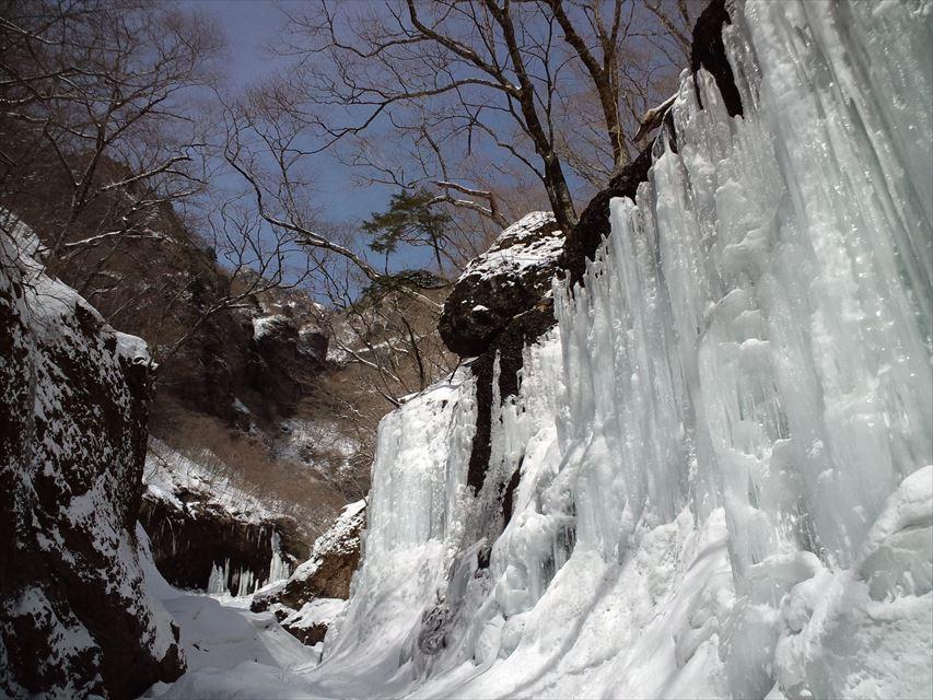 雲竜渓谷 世界遺産の日光国定公園で呆然と見上げた圧巻の雲竜氷瀑(2015.2.28)