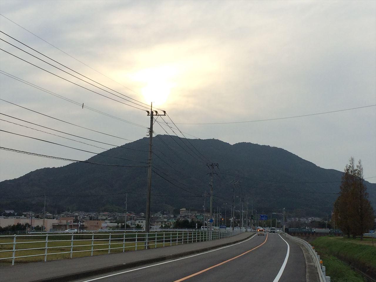 可也山 底抜けに明るい玄界灘のパノラマビュー 日帰り登山(2015.11.22)