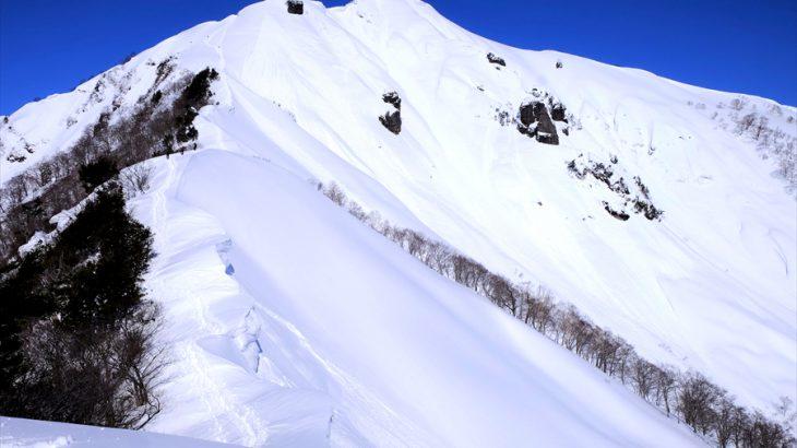 白毛門 雪山登山 厳冬期にドライブイン!迫りくる谷川岳東壁と山好きどもが夢の跡