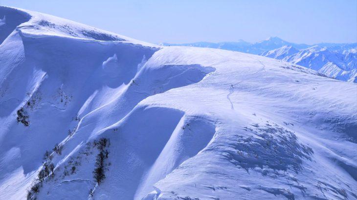 守門岳 雪山登山 大雪庇にスプライト!冬の新潟は世界一のパワハラ絶景